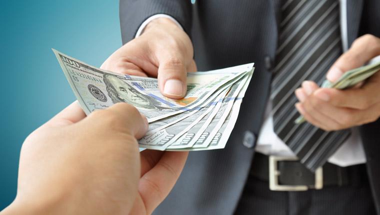 还记得去年8月借贷宝的拉人返现吗 如今企业版推广,A轮的25亿也要烧掉