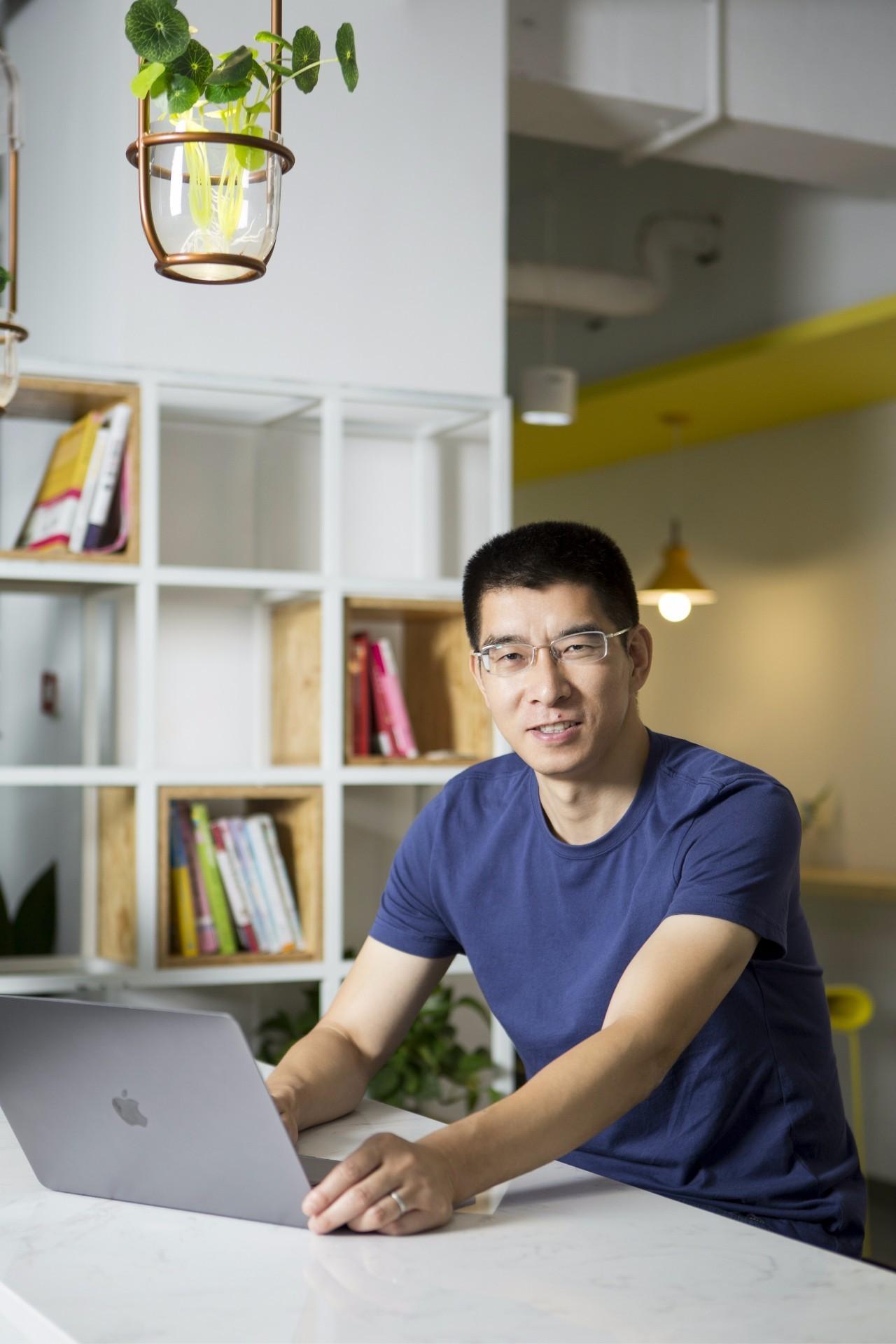 14年IT男跨界母婴创业,获得4200万用户,李开复、雷军、郭广昌相继投资,他做对了什么?