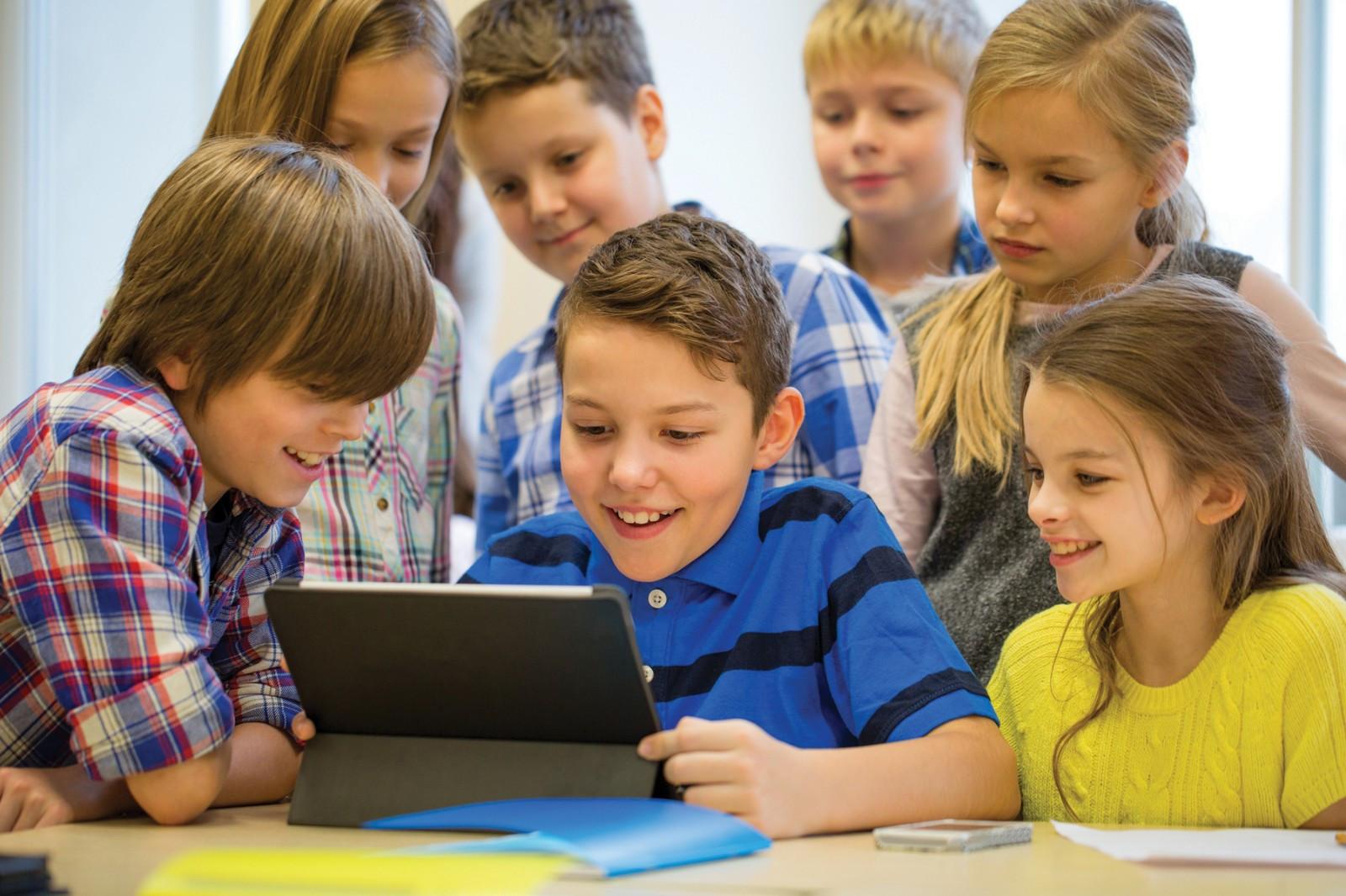 强大的团队与完善的教学体系