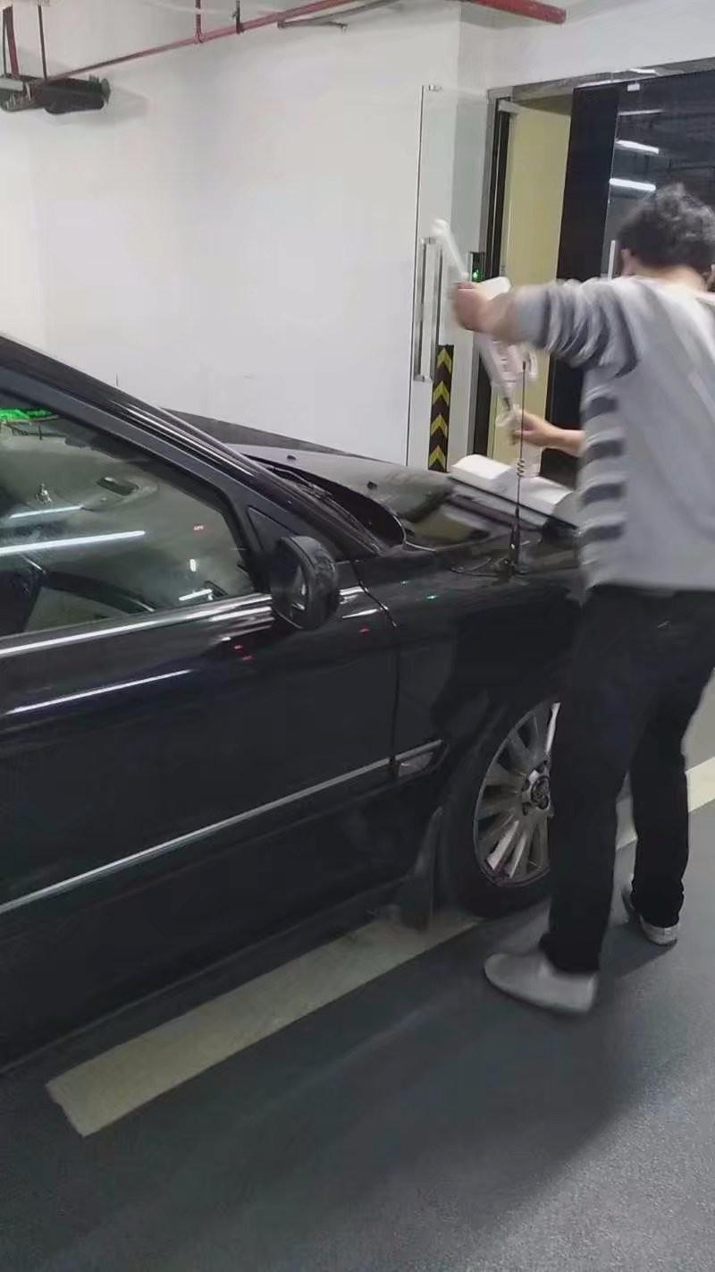 致力于不受场地限制,方便快速环保家庭汽车表面清洁技术开发应用