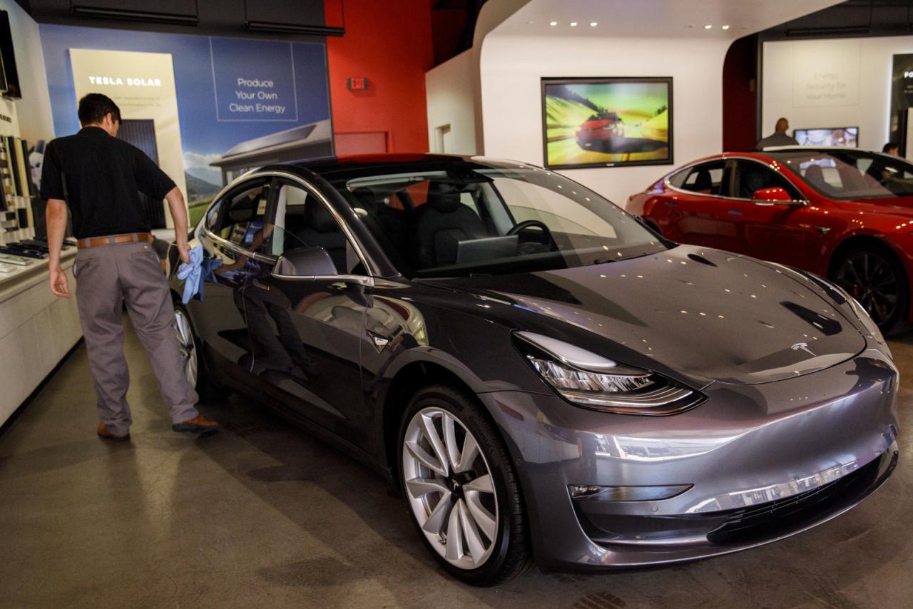 【硅谷】爬出产能地狱之后,特斯拉终于要大力推广Model 3的销售了